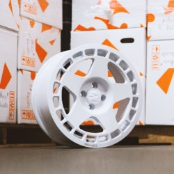 FIFTEEN52 TURBOMAC 17x8 4x108 ET42 RALLY WHITE